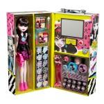 Набор косметики с куклой Дракулаура